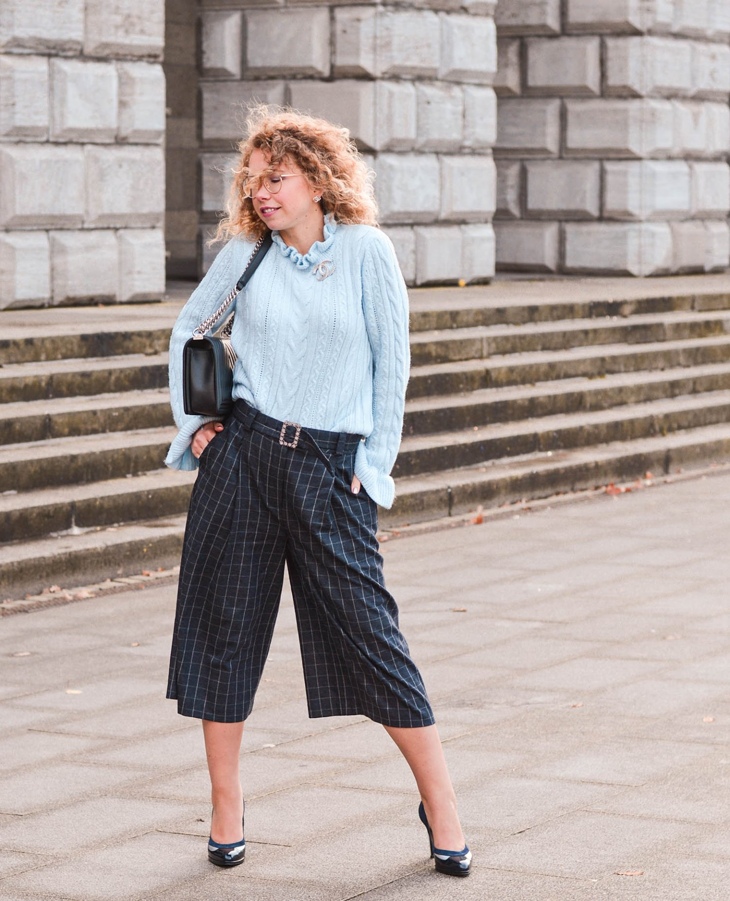 Karierte Culottes, Chanel Boy und High Heels