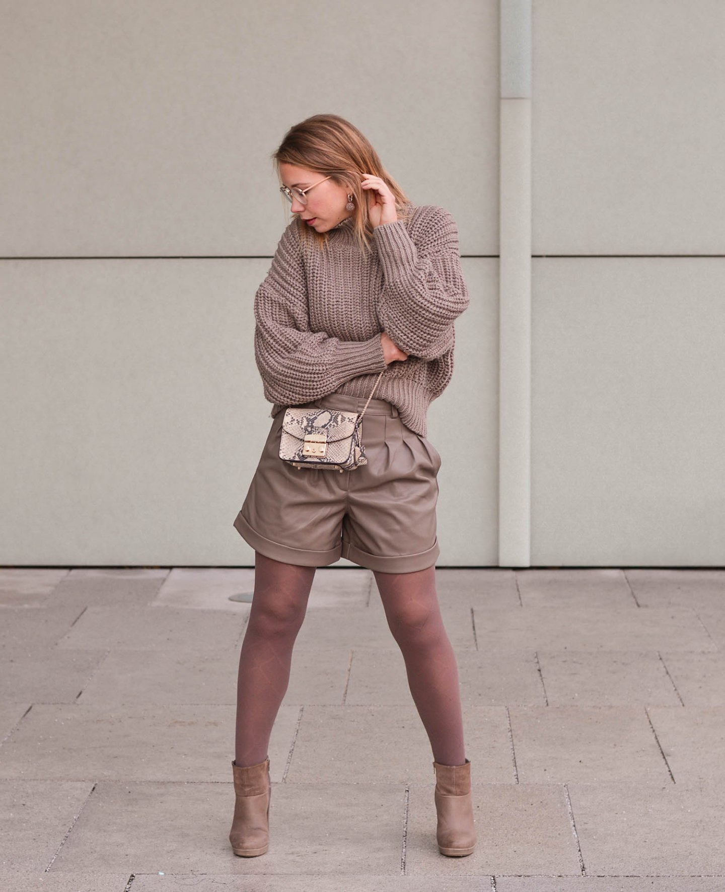 Winter Outfit Idee in Taupe
