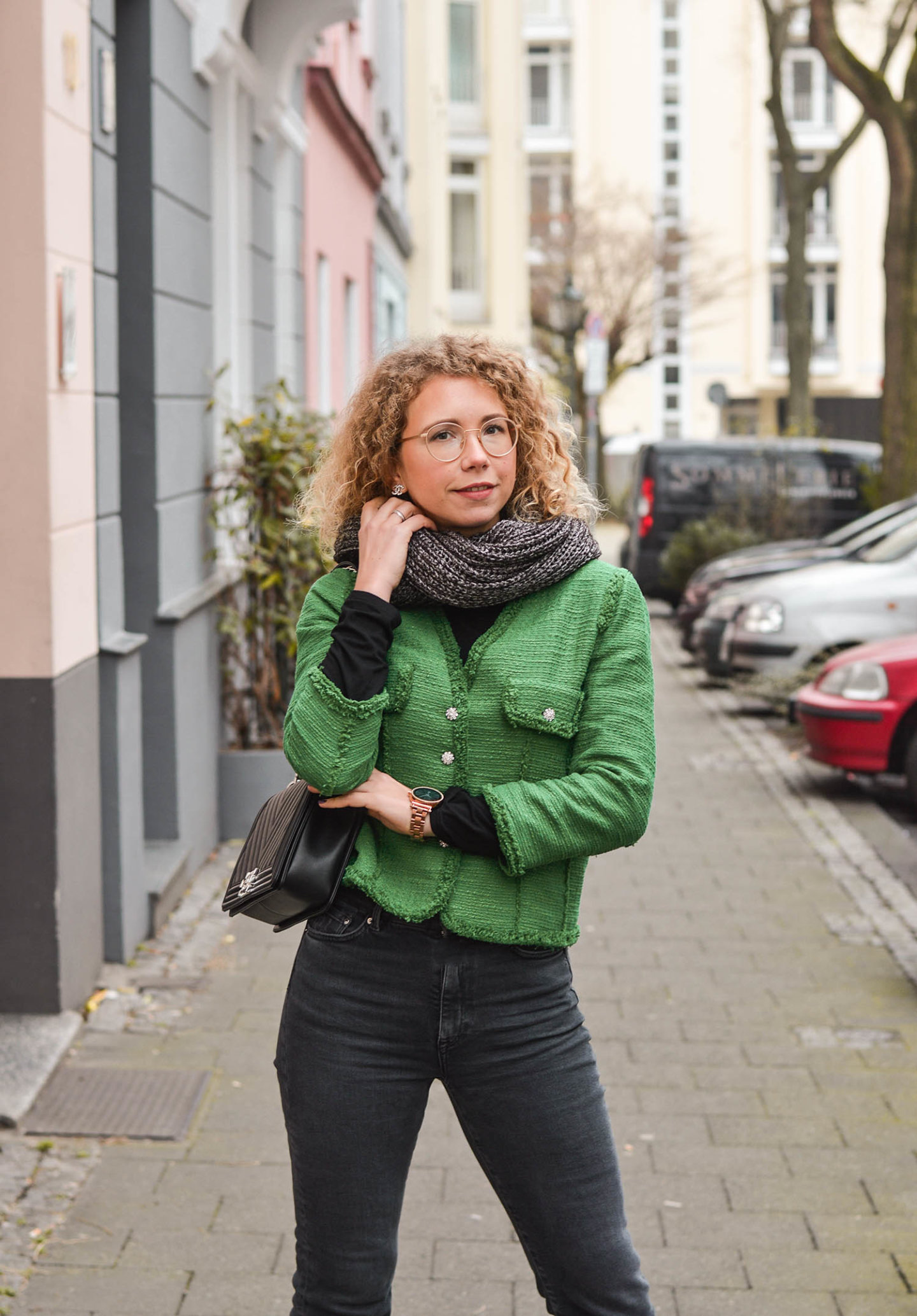 Zara Tweedjacke mit Chanel Boy Bag