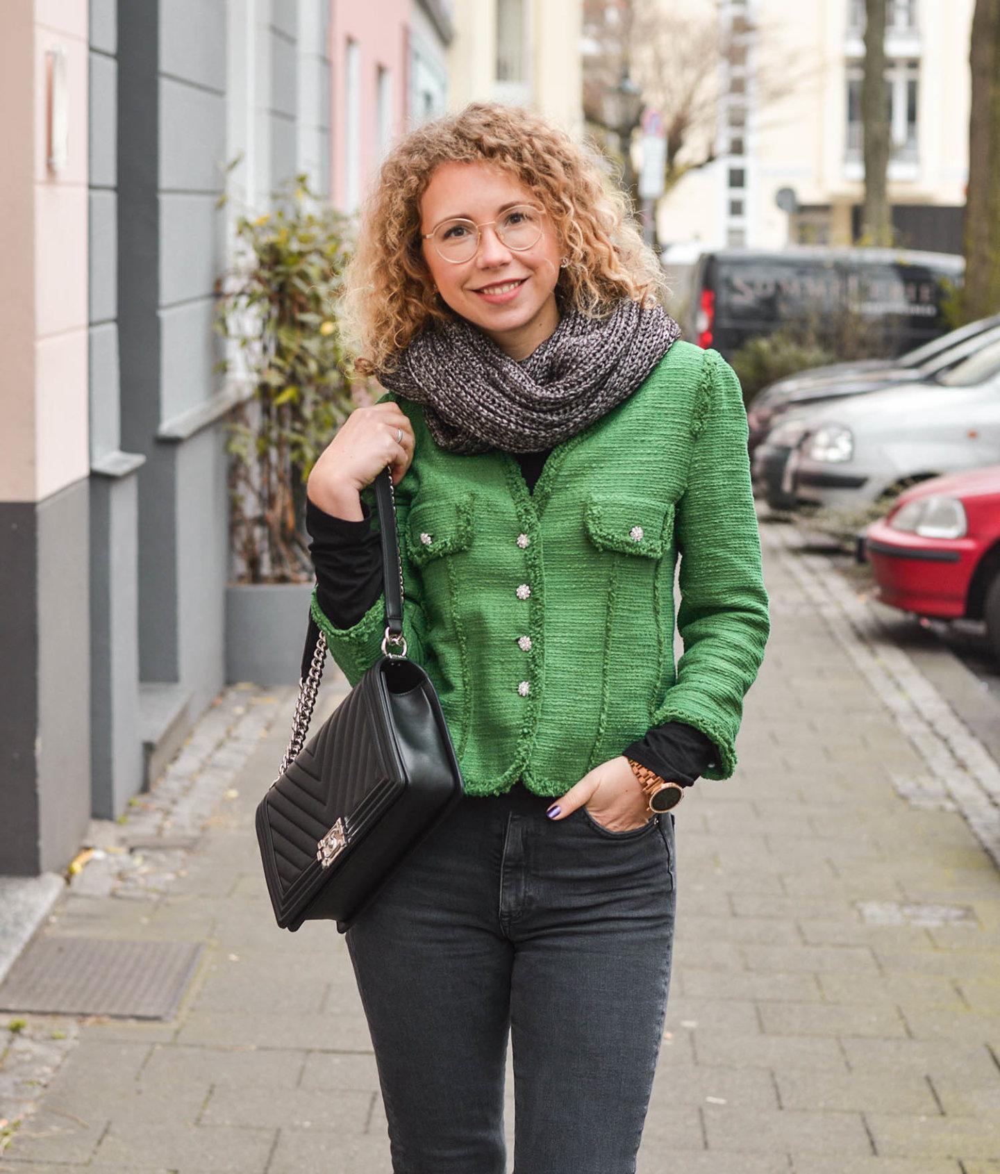 Zara tweedjacke, denim und Chanel Tasche