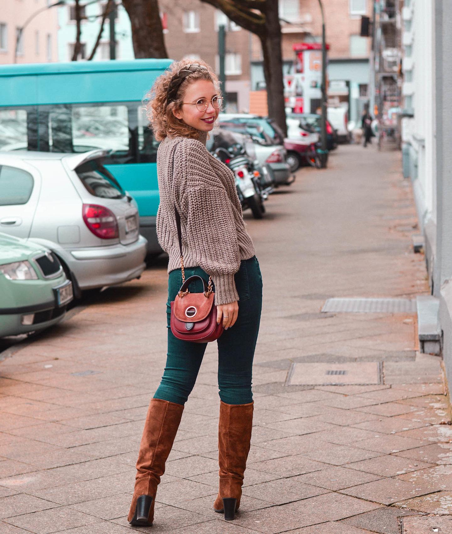 Jeans-Stiefel-Kombi und Saddle Bag