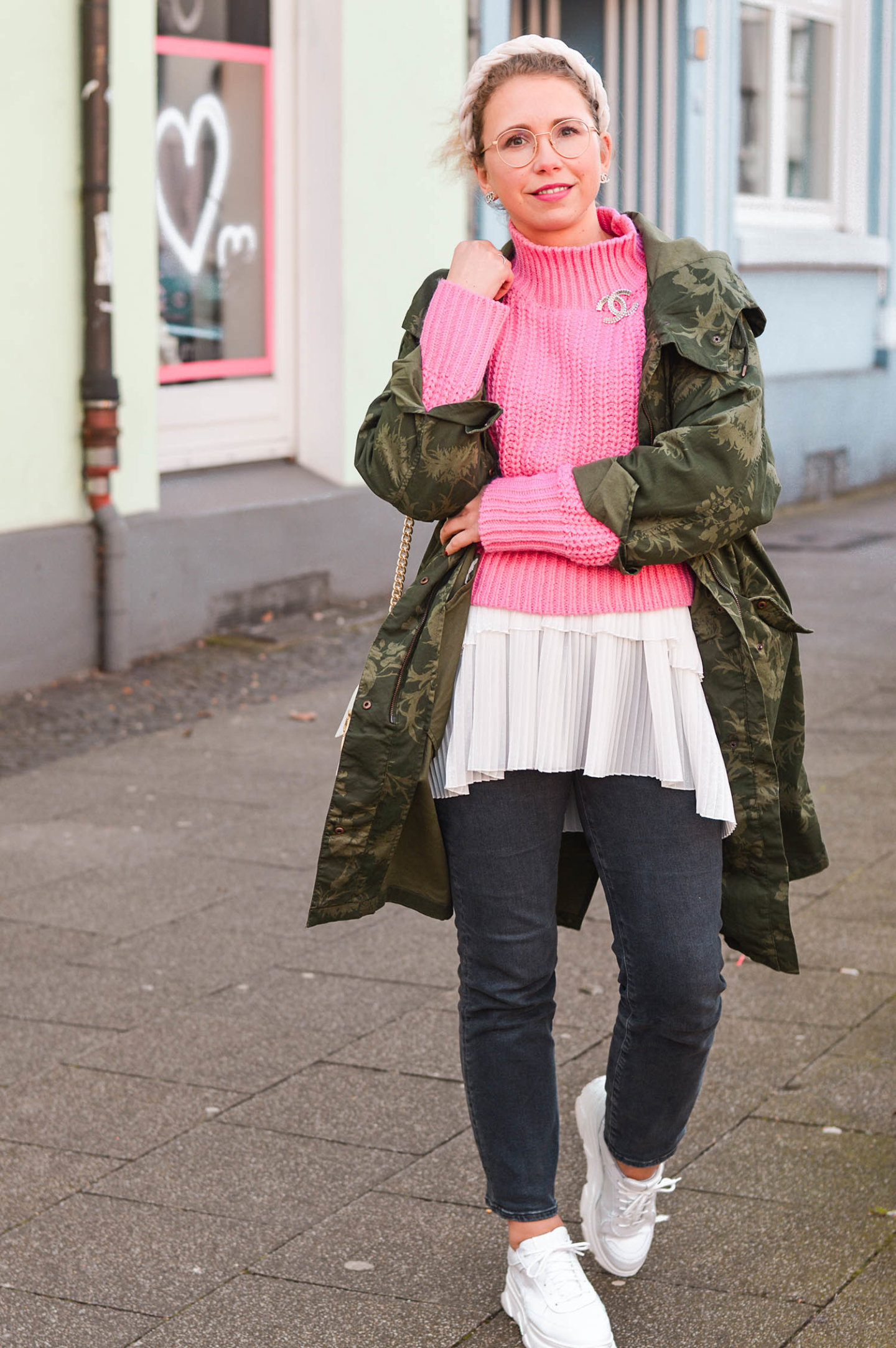 khaki meets pink