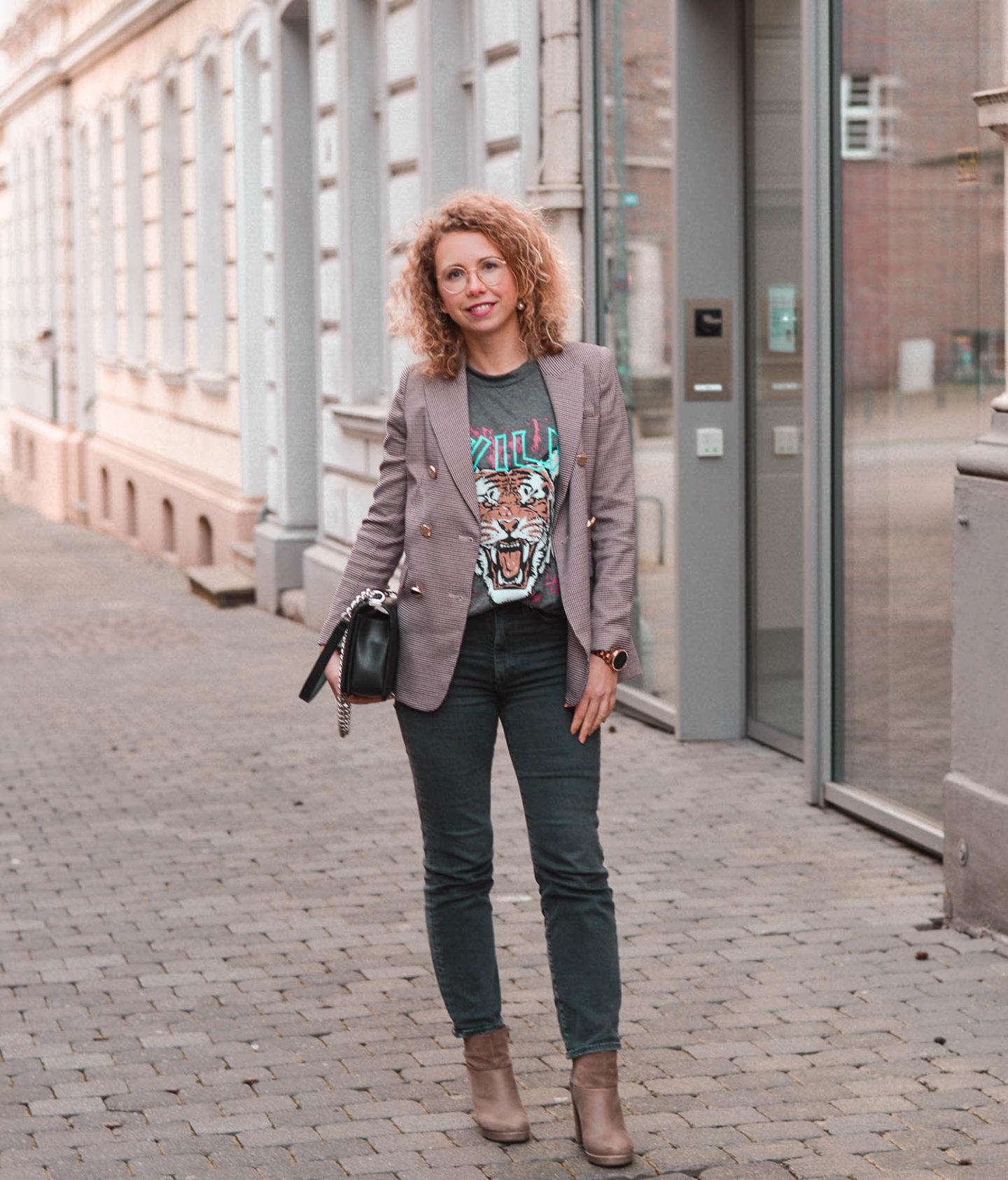 fashion-Trend Rock-Shirt bürotauglich kombinieren