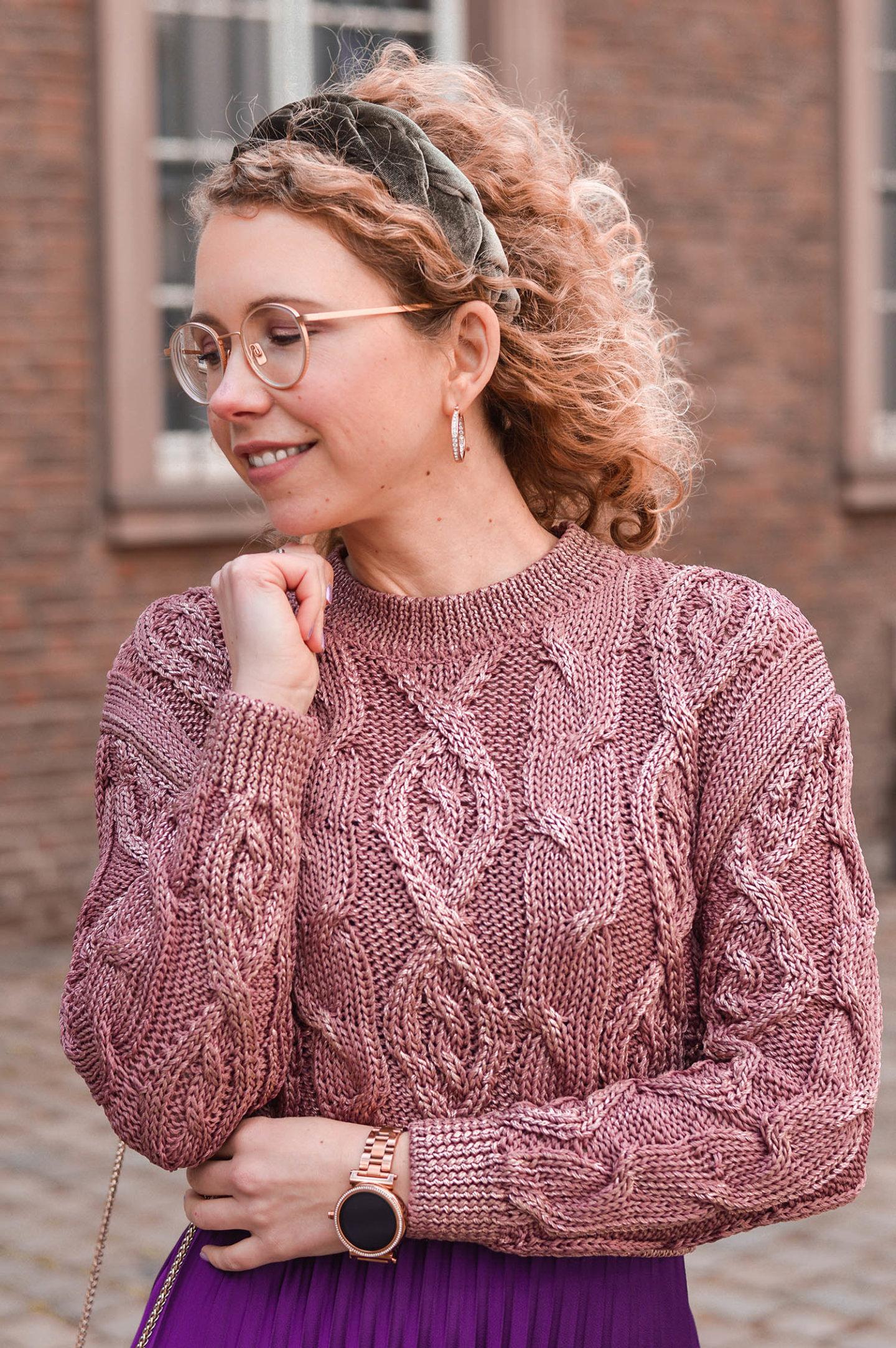 cropped pullover und statement haarreif