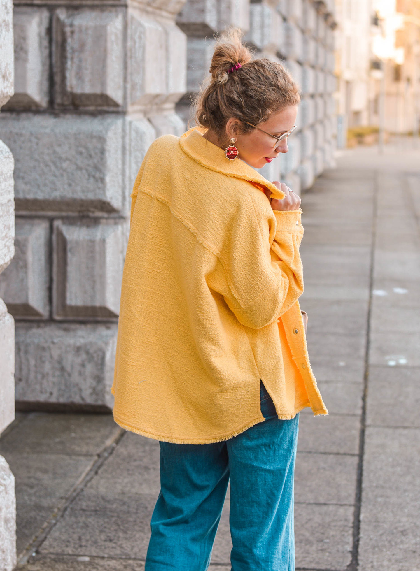 gelbe tweed-hemd-jacke