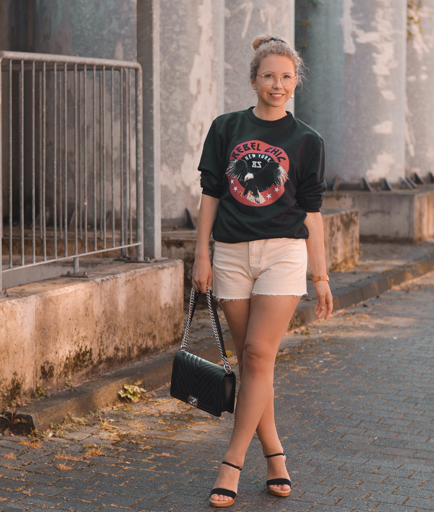 streetstyle mit rebel chic sweatshirt