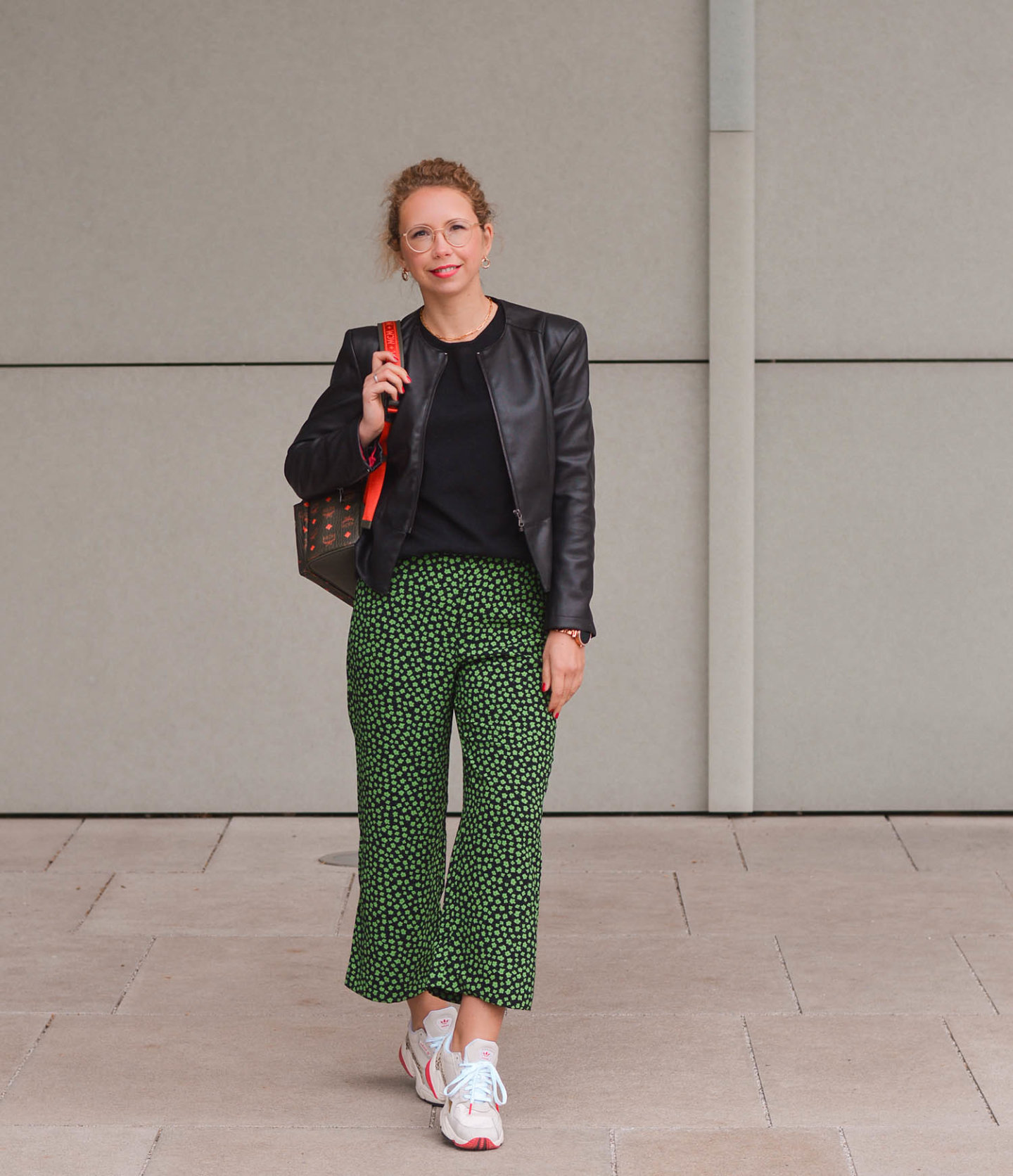 lässiges outfit mit cropped hose
