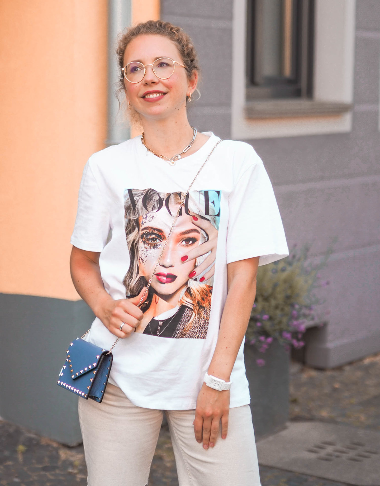 VOGUE Italy Shirt mit Foto-Print und Valentino Tasche