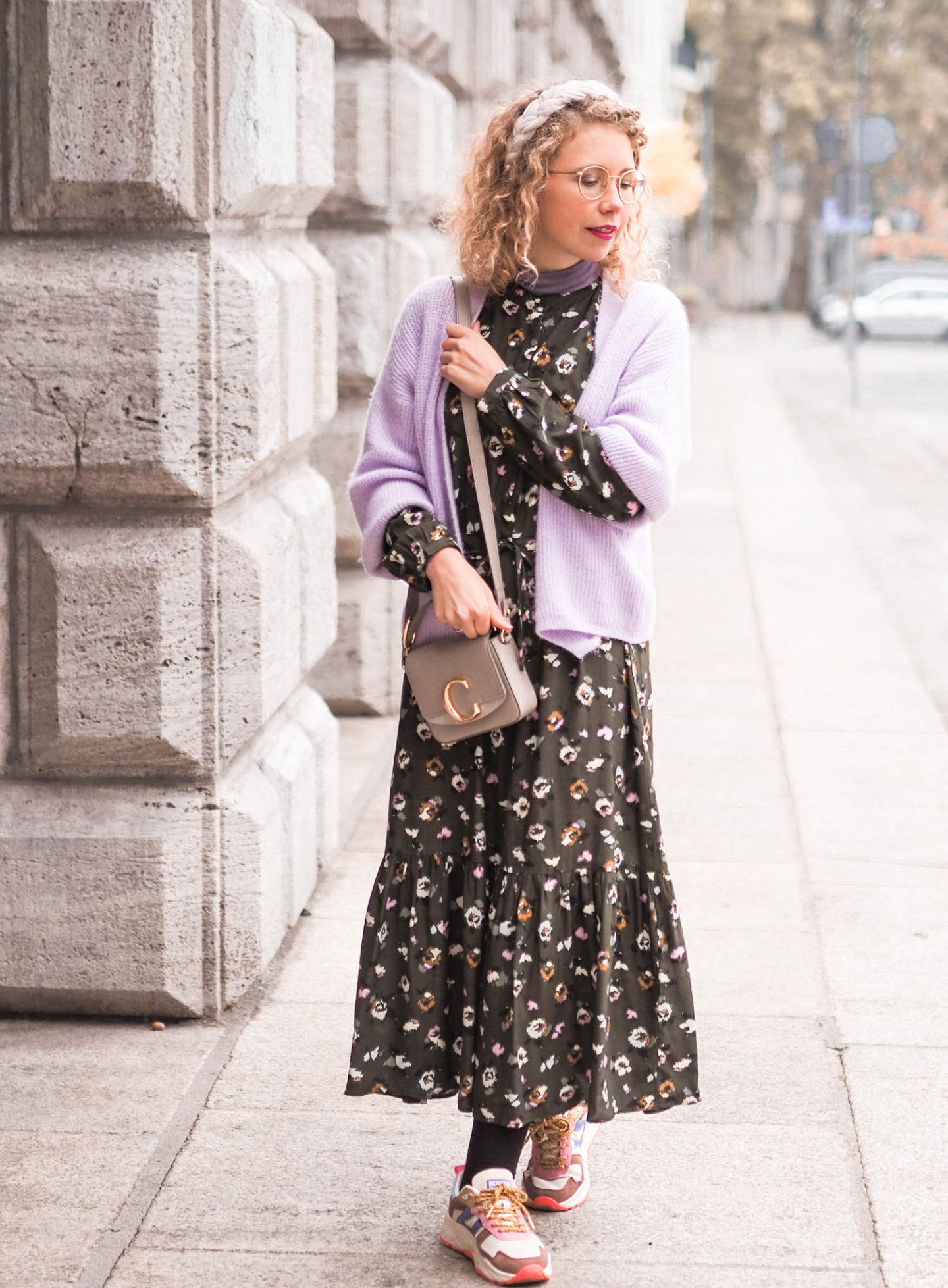 midikleid kombination im herbst - outfit inspiration